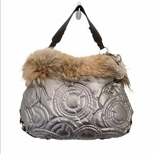 COACH HAMPTONS LE COYOTE FUR SKI QUILTED SILVER